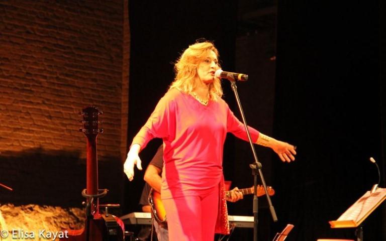 Música no Ar: Sucesso de Claudia Foureaux no Teatro Municipal de Niterói