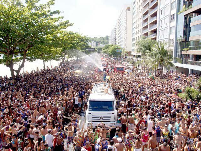 Carnaval de bairros de tem boa programação