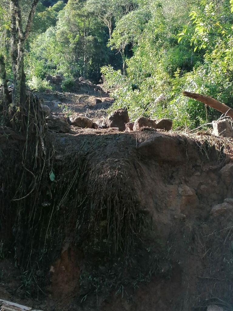 WhatsApp Image 2021 01 15 at 09.59.16 Estrada que dá acesso à Pedra da Macela, no município de Cunha (SP), é interrompida