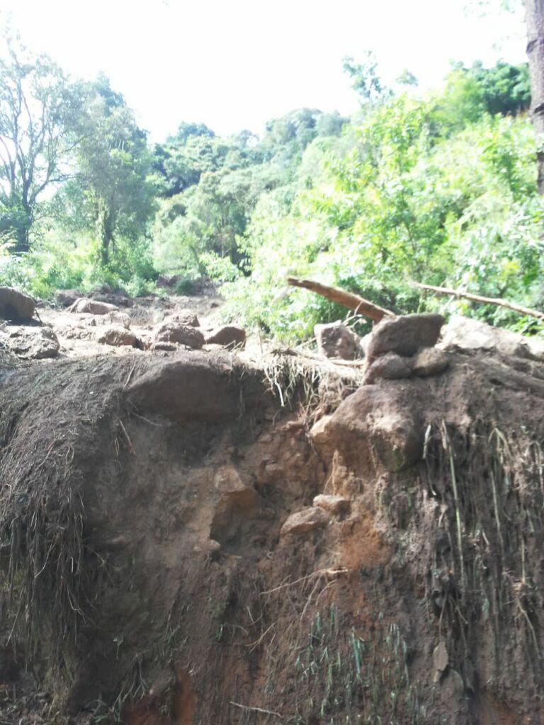 WhatsApp Image 2021 01 15 at 10.02.54 Estrada que dá acesso à Pedra da Macela, no município de Cunha (SP), é interrompida