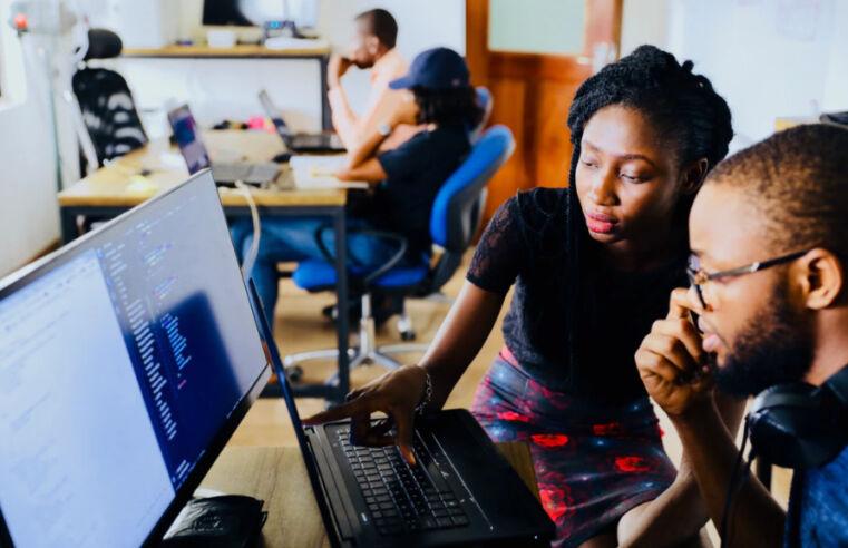 Startups oferecem treinamento de vendas gratuito para população de baixa renda