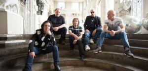 Marillion 2021 With Friends from The Orchestra é o novo álbum do Marillion